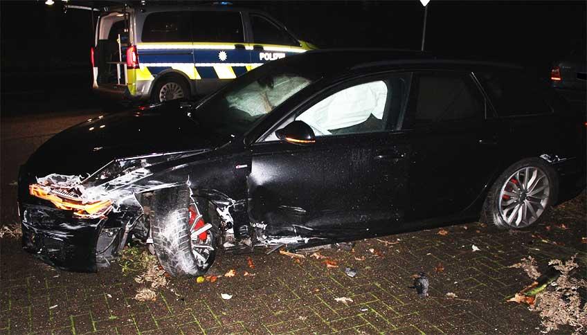 Der Fahrer des Audis ließ den Wagen nach dem Unfall zurück und flüchtet.