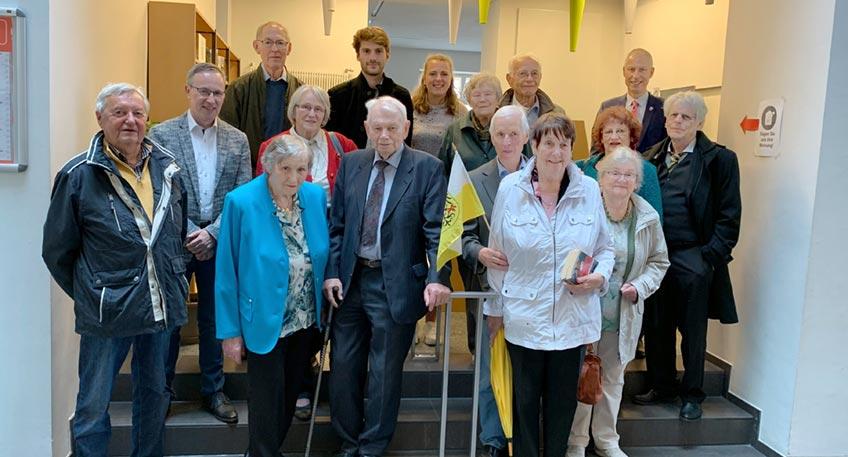 Sechs Jahrzehnte und ein Jahr Corona-Zugabe: Nach 61 Jahren endet die Geschichte der Bundesheimatgruppe Striegau Stadt und Land bei einem letzten feierlichen Treffen in der Patenstadt am Wiehen.