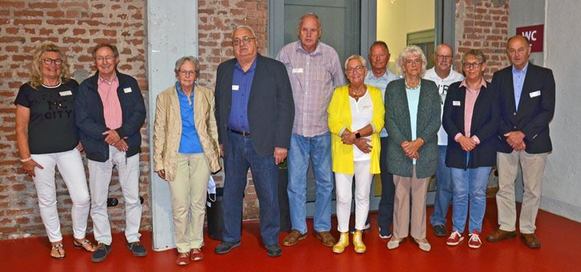 Gute Gespräche führen, in Erinnerungen schwelgen, Geselligkeit genießen: Nach rund eineinhalb Jahren konnten sich die Mitglieder des MERKUR Senioren-Clubs endlich wieder treffen. In der Alten Gießerei fand die Jahreshauptversammlung statt, bei der auch Paul Gauselmann anwesend war.