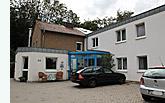 Die Diakonischen Behindertenhilfe Bergheimat e.V. befindet sich in einer schönen Wohngegend am südlichen Stadtrand von Lübbecke, direkt am Fuße des Wiehengebirges. Betreut werden dort Frauen mit einer psychischen oder geistigen Behinderung in zwei Wohngruppen und einer Trainingswohnung.