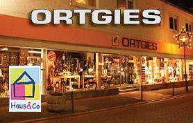 Aus Rahden nicht mehr wegzudenken ist die Firma Ortgies. Gegründet wurde das Unternehmen 1905 und ist bereits in der dritten Generation in Rahden ansässig. Mittlerweile ist die Firma Ortgies in weitem Umkreis das einzige Fachgeschäft für Geschirr, Porzellan, Bestecke und Haushaltswaren.