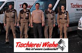 Der Name Wiehe bürgt für Qualität – und das schon seit 75 Jahren. 1934 eröffnete Fritz Wiehe in Blasheim seine Tischlerei und übergab sie 1974 an Sohn Friedel. 1992 trat mit Joachim Nolte ein erfahrener Mitarbeiter die Nachfolge an und führt es bis heute unter dem Namen Tischlerei Wiehe erfolgreich weiter. Vom Dachausbau bis zur Möbelreparatur reicht die Angebotspalette – und das nicht nur mit dem Werkstoff Holz. Auch mit anderen Materialien geht das Wiehe-Team um Tischlermeister Joachim Nolte fachmännisch um.