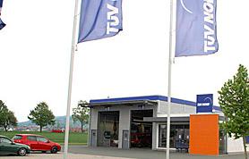 Der Begriff TÜV – Technischer Überwachungsverein – ist für die meisten Menschen heute nach wie vor eng mit dem Begriff Auto verknüpft.