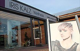"""Friseurmeisterin Iris Kalz, selbständig seit 1993, führt erfolgreich ihren """"Friseur & Wellness-Salon"""" in Lübbecke am Heuweg 2."""