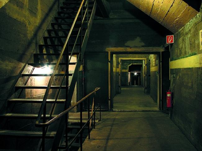 Eng, warm und gar nicht sicher: Leben im Bunker