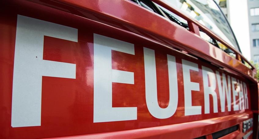 Nach den jüngsten Brandstiftungen vom vergangenen Wochenende in Espelkamp verstärkt die Polizei mit einem ganzen Bündel von Maßnahmen noch einmal ihre Aktivitäten, um weitere Brandlegungen zu verhindern und den oder die Täter zu fassen.